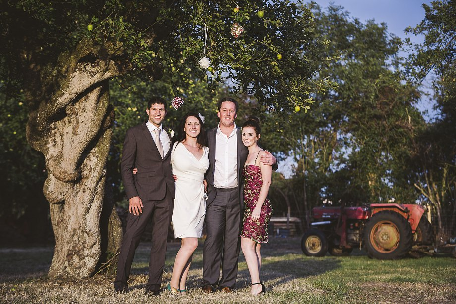 southwest wedding photography, wedmore wedding photos, vintage wedding photographer, summer weddings in somerset, group photo