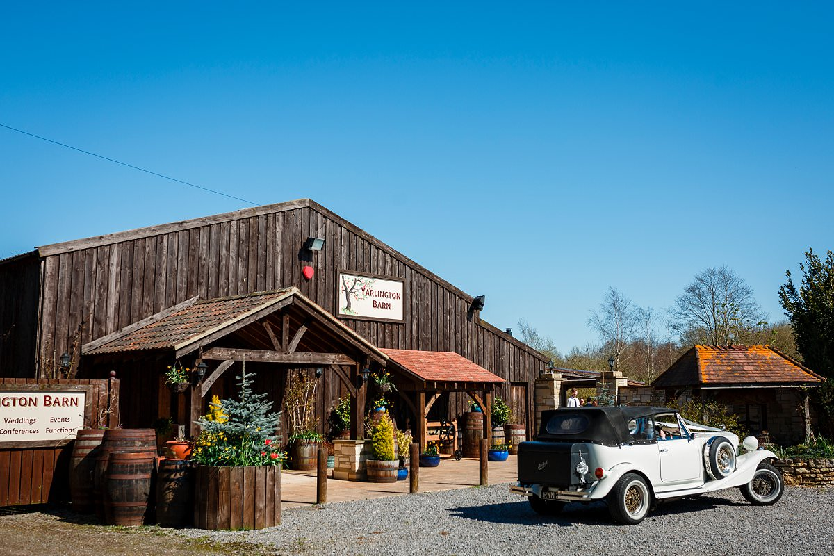 yarlington barn wedding photography