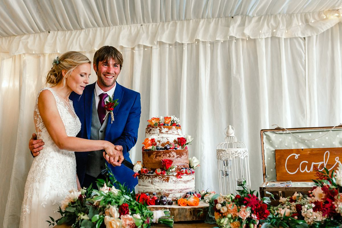 wedding cakes bridgwater