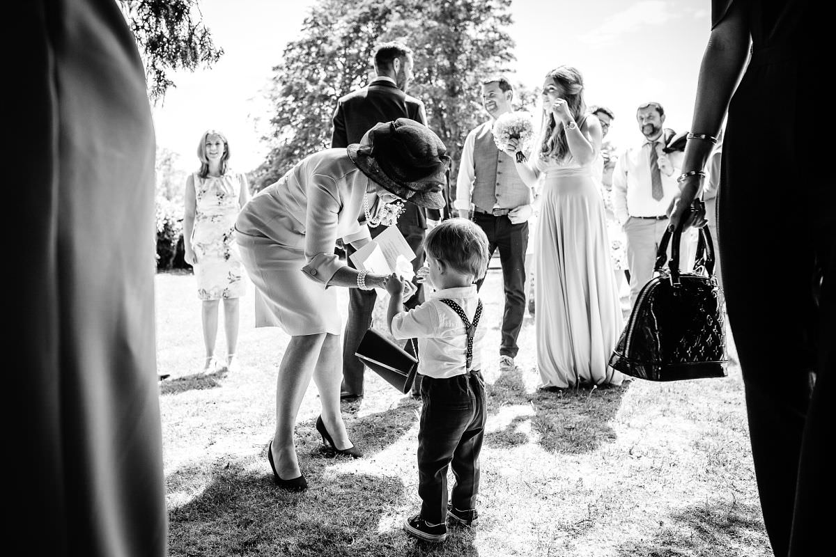 natural wedding photography in hampshire