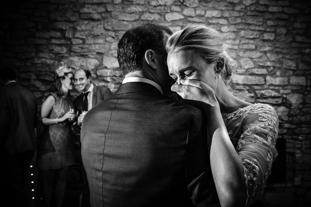 creative documentary wedding photographer