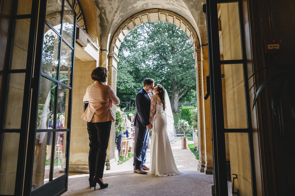 coomber lodge first kiss photo