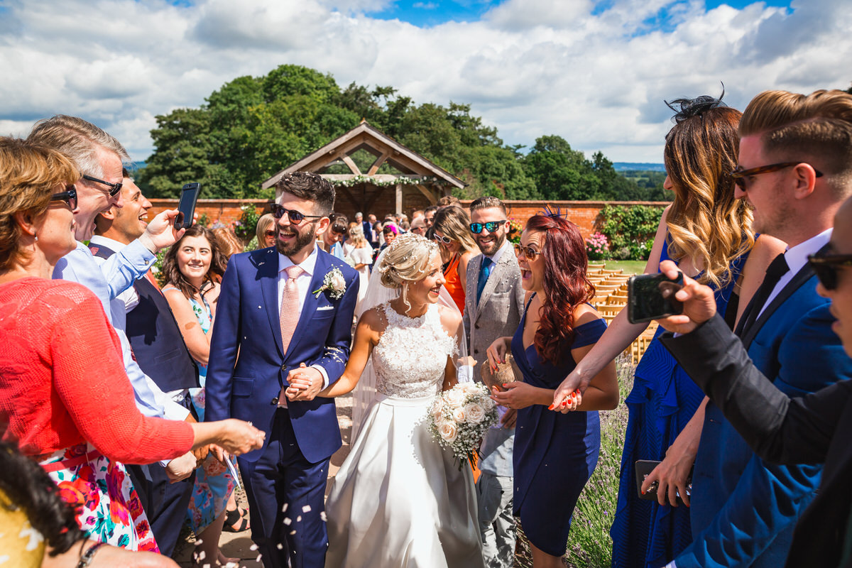 upton barn farm wedding confetti