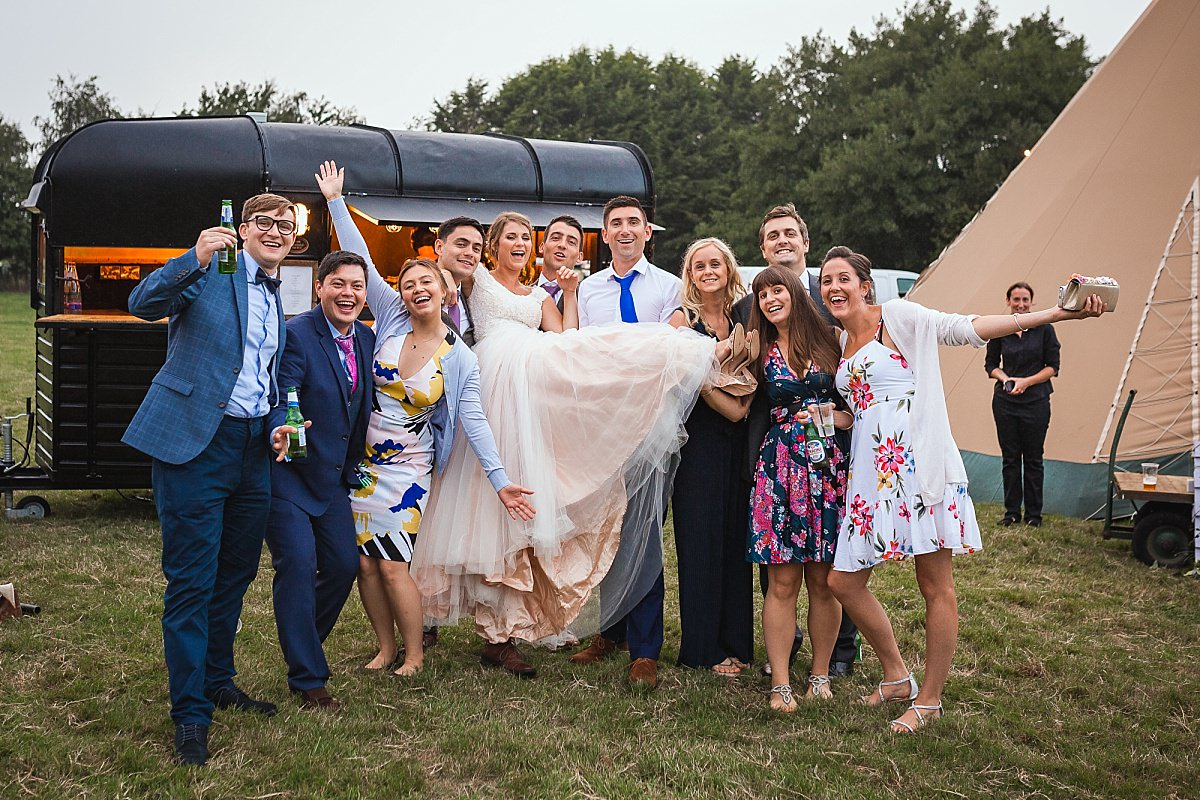 funny wedding group photos